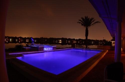 Generador de luz para fibra ptica 150w todo en piscina y for Iluminacion de piscinas