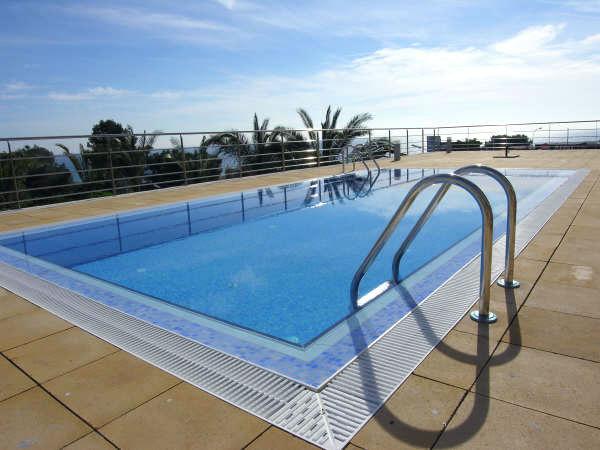 Piscina de obra de hormigon de 8x4 todo en piscinas y for Alberca 8 de julio